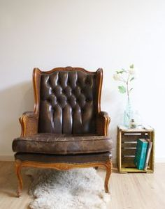 Toffe vintage fauteuil, chesterfield-achtige retro stoel