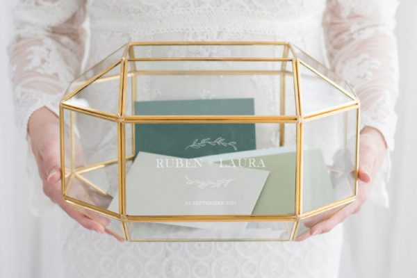 glazen-enveloppendoos-geometrisch goud huur bruiloft